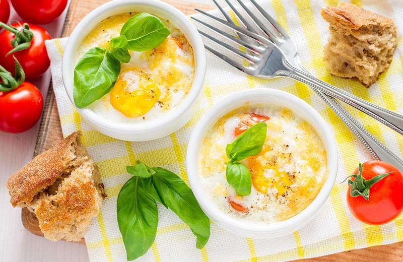 Recette oeufs cocotte au jambon et à la tomate