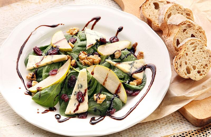Recette salade de mâche aux pommes et roquefort